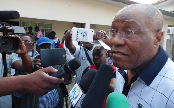 Le Pr Albert Ondo Ossa empêché de quitter le territoire ce dimanche
