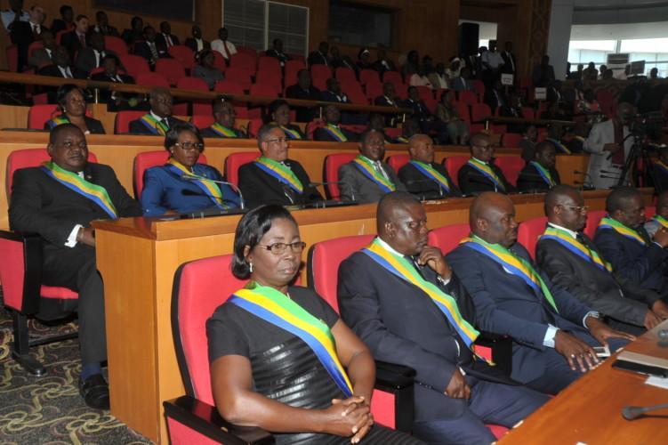 Privés de salaires depuis deux mois, les sénateurs attentent la rentrée parlementaire pour se faire entendre