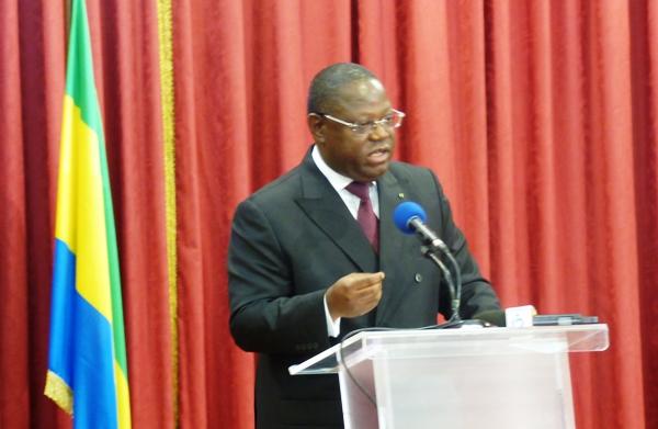 Emmanuel Issozé Ngondet explique pourquoi il a jeté Ben Moubamba
