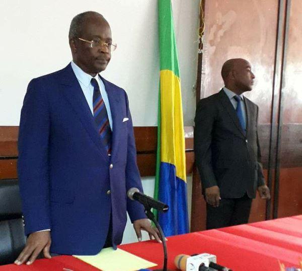 Casimir Oyé 2ème personnalité interdite de quitter le Gabon en moins d'une semaine