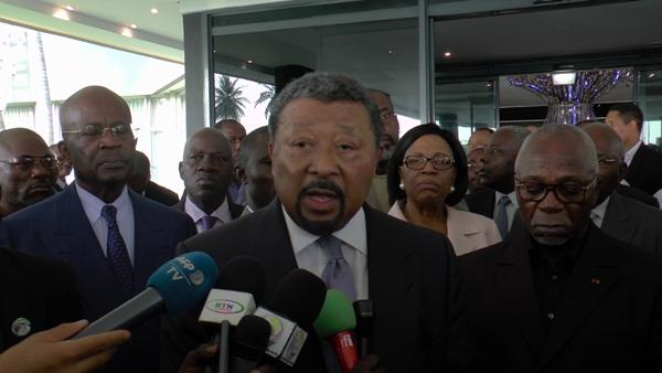 Le gouvernement lève l'interdiction de voyager pour les opposants