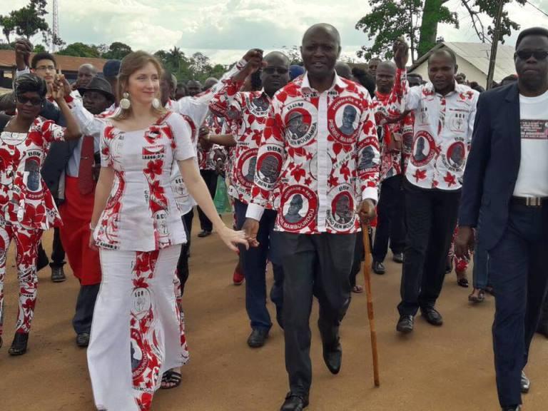 Mathieu Mboumba Nziengui  déculotté  par Bruno Ben Moubamba à Ndendé