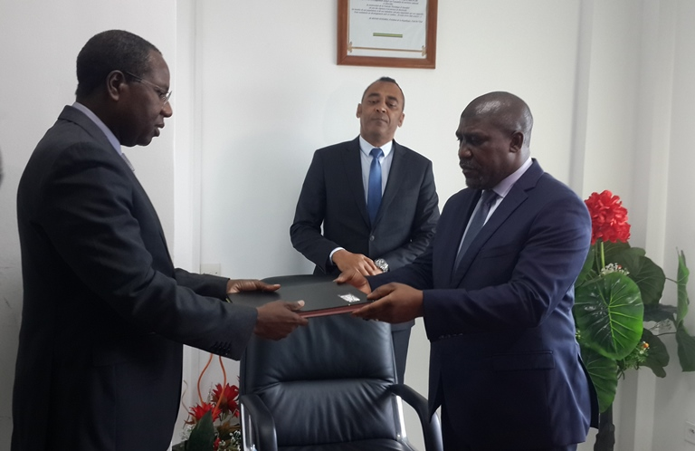 Le DG de la société du Patrimoine et le SG du Ministère de l'Eau et de l'Energie prennent leurs fonctions