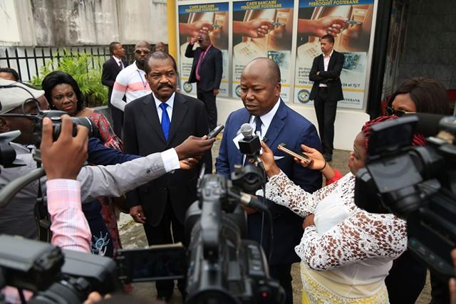 Les salaires des fonctionnaires seront payés malgré l'incendie à la poste (Bilie By Nze)