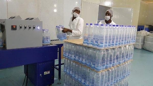 Les Chinois se lancent dans la production d'eau minérale au Gabon