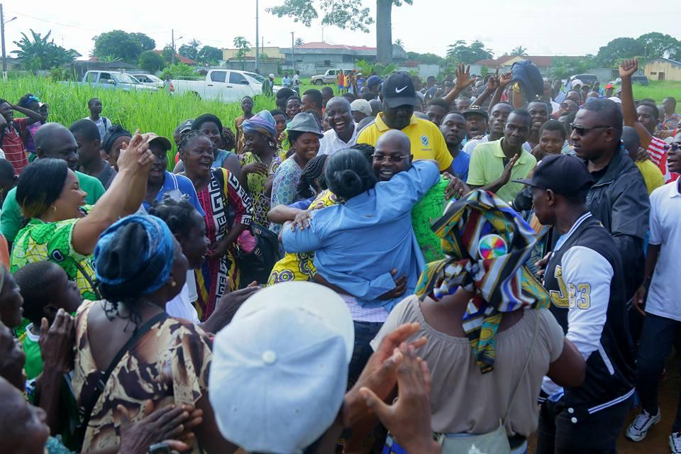 Manfoumbi a  encore dansé le Ikokou à Ndéndé
