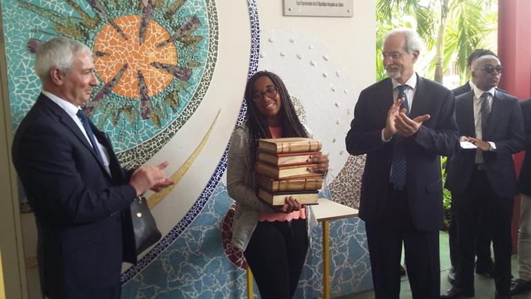 Les Pascaliennes 2018 : L'élève Cidalia Igowa remporte le prix du meilleur logo