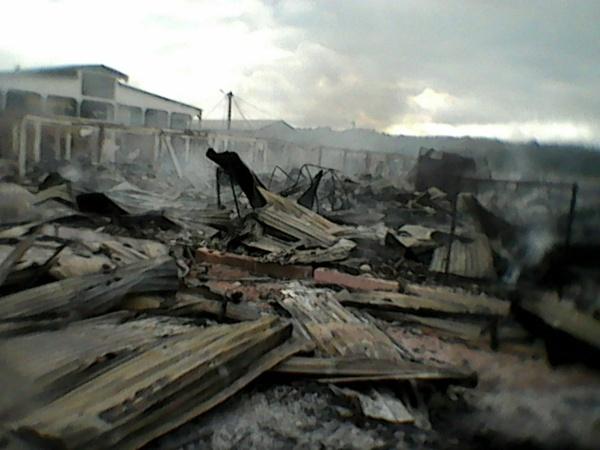 Des ministres originaires du Haut Ogooué offrent 10 millions de FCFA pour nettoyer le marché Bapili détruit par un incendie