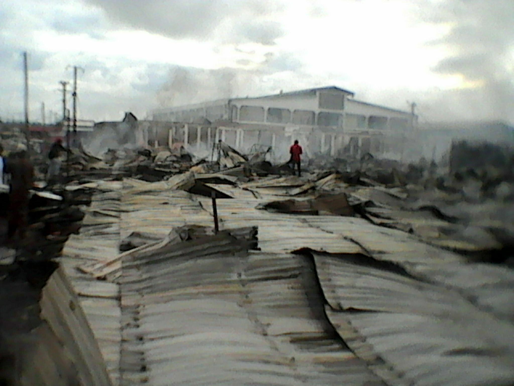Le marché Bapili de Franceville détruit par un violent incendie