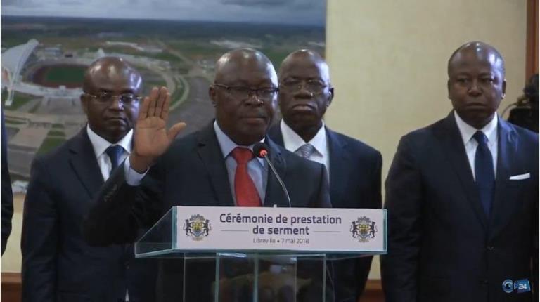 Moukagni Iwangou a prêté serment  devant la cour constitutionnelle et le Président Ali Bongo