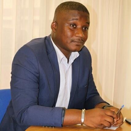 Le journaliste Orca Mouélé Boudiandza est sorti de la DGR après 3 heures d'interrogatoire
