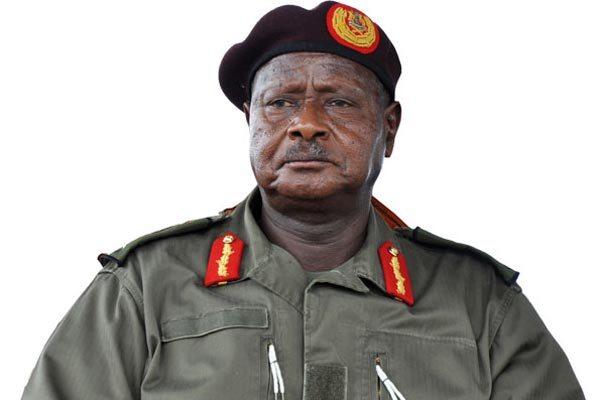 Le président ougandais insulte et menace des médias en direct à la télévision