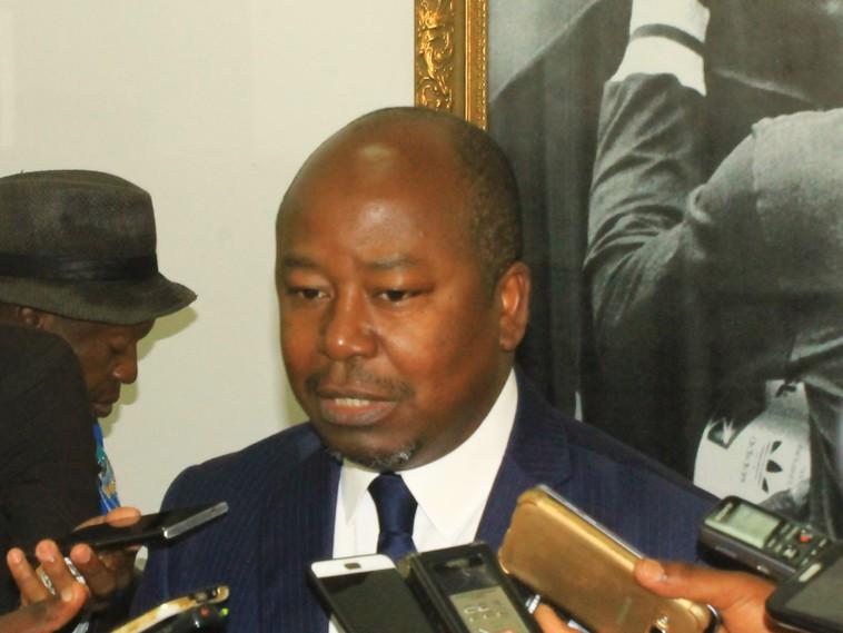 Le ministre des Sports propose aux fédérations nationales d'utiliser les installations sportives de l'Etat