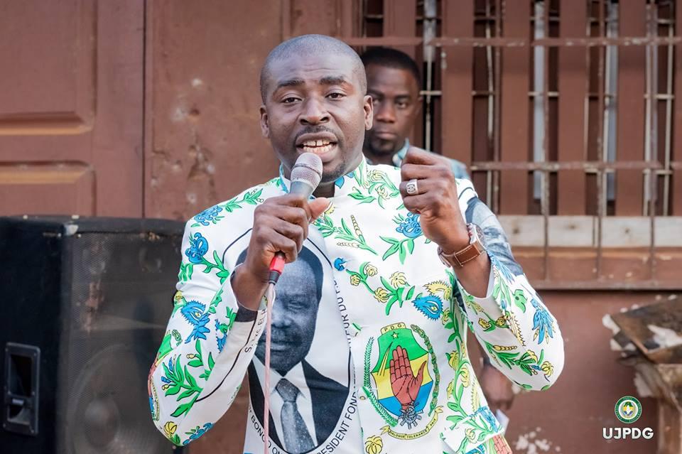Station de lavage automobile et ballots de fripes pour employer les jeunes du 1er arrondissement de Libreville