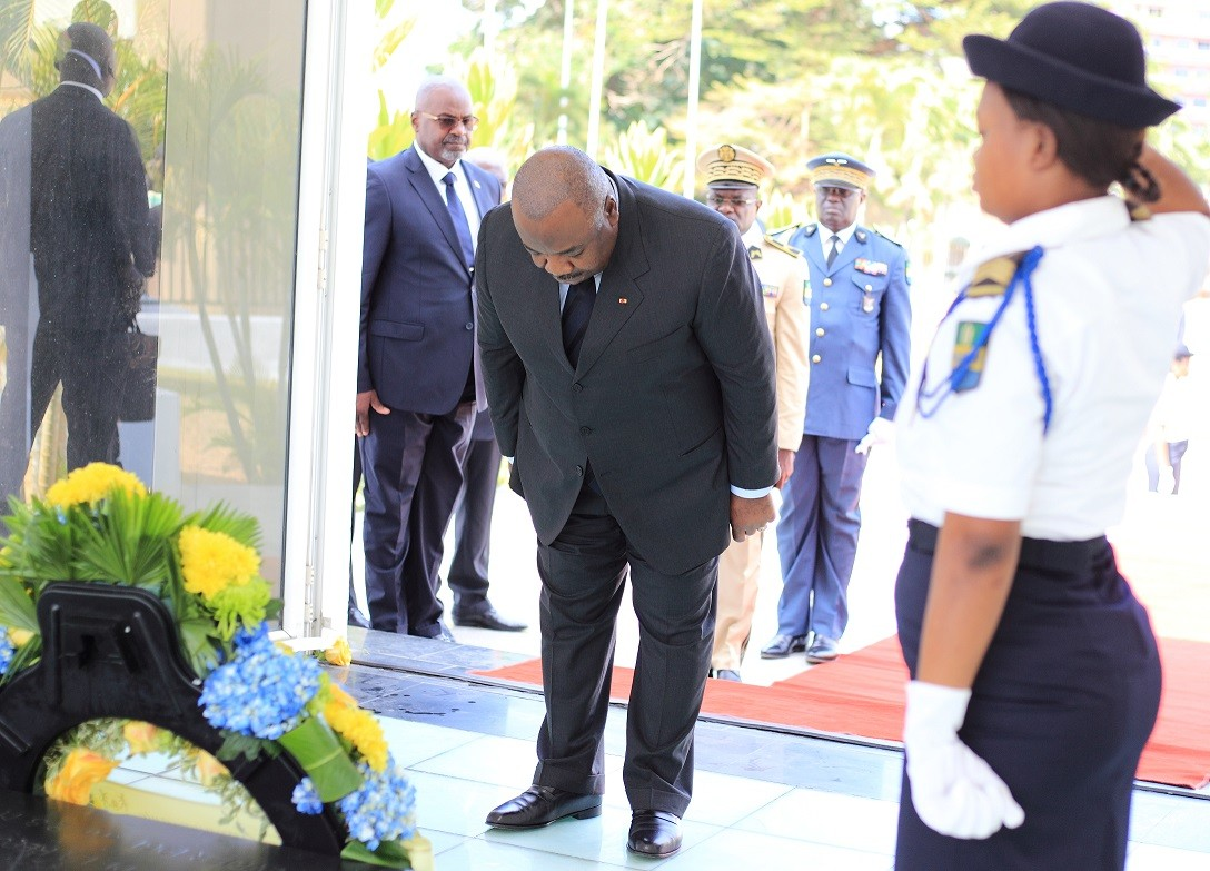 Ali Bongo Rend hommage au père de l'Indépendance du Gabon