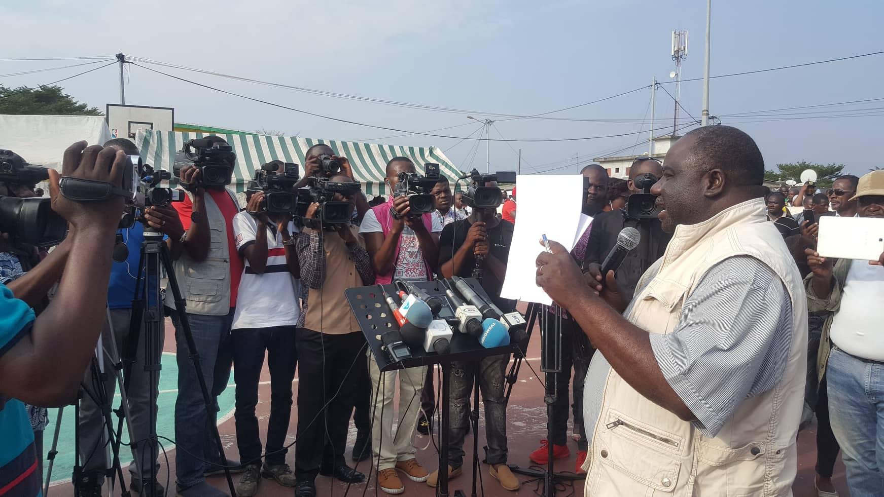 Dynamique unitaireappelle les gabonais à marcher le 13 août avec un pain et un bandeau noir
