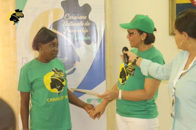 Formation sur le leadership : près de 300 femmes reçoivent des attestations
