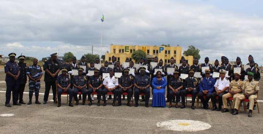 24 nouveaux officiers pour rajeunir les effectifs du CEDOC