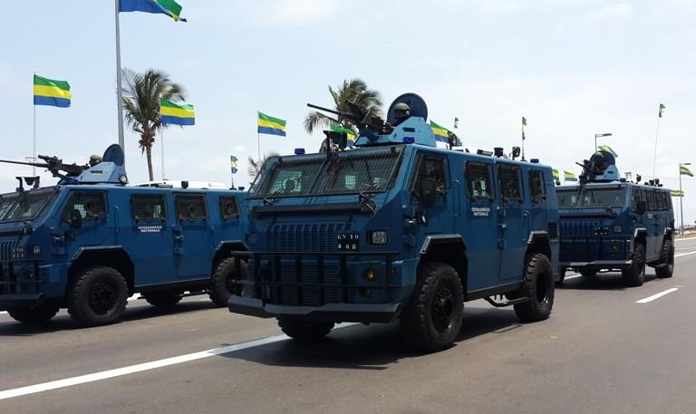 Grosse parade militaire pour célébrer le 58ème  anniversaire de l'indépendance du Gabon