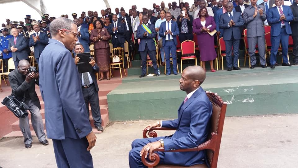 Eloi Nzondo dans son fauteuil de gouverneur du Haut Ogooué