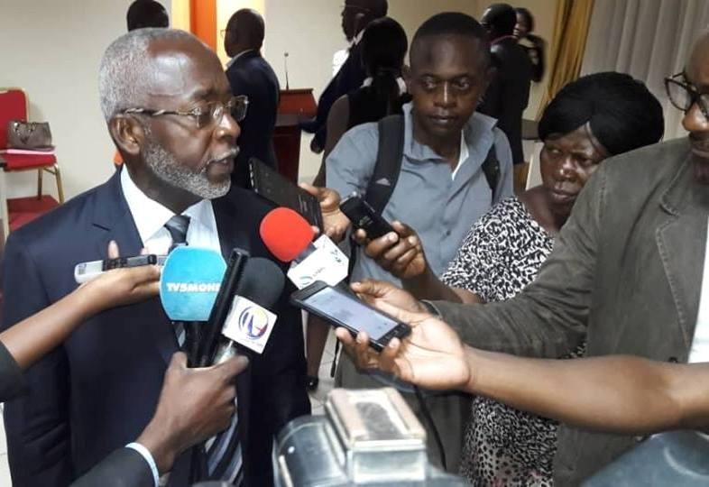 Urgent: Me Lubin Ntoutoume élu bâtonnier du barreau du Gabon