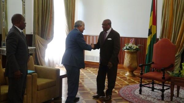 Ali Bongo Ondimba dépêche un émissaire à Sao Tomé et Principe où couve une crise post électorale