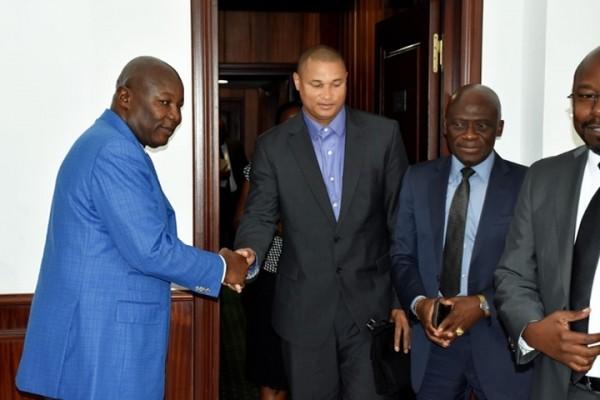 Daniel Cousin a finalement présenté ses excuses au VPR Pierre Claver Maganga Moussavou pour son écart de langage