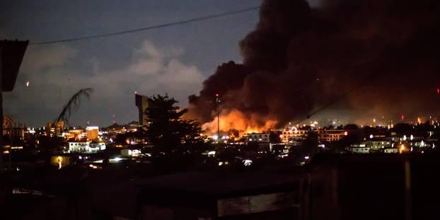 Un violent incendie consume plusieurs habitations à Libreville