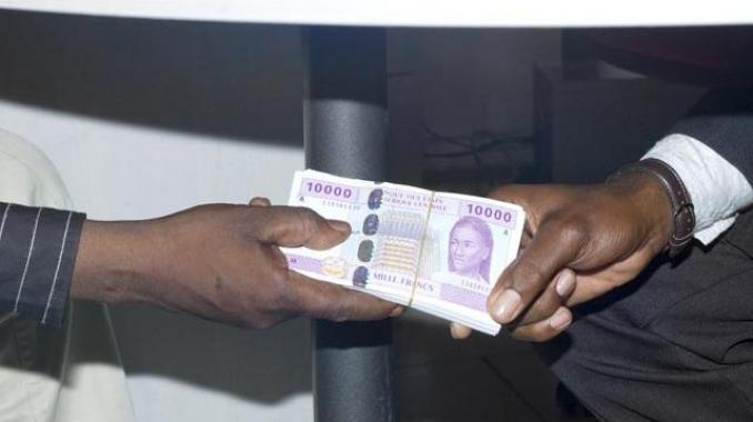 Corruption : 1 000 milliards de dollars de pots-de-vin chaque année dans le monde selon banque mondiale