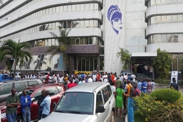 Grève du SYNTEE+ : risque de rupture aggravée d'eau et de l'électricité au Gabon