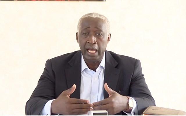 Le gel des embauches est une mauvaise solution à un problème sérieux (l'opposant Raymond Ndong Sima)