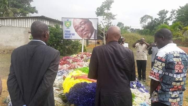 AMO 4 ans après: Ntoutoume Emane dépose une gerbe de fleurs à Medouneu
