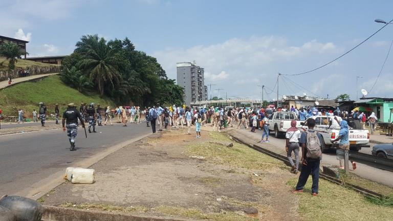 Réforme décriée des bourses : les marches de protestation des élèves ne faiblissent pas au Gabon