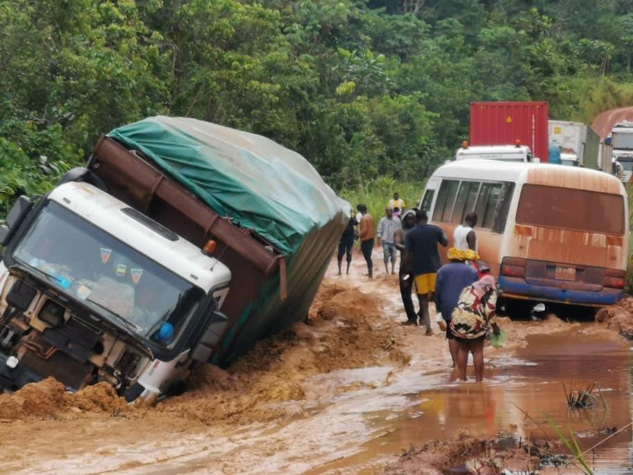 Calvaire sur la route de Makokou, le ministre des travaux publics s'est projeté sur zone