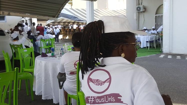 Journée nationale de la femme: une rose et une fiesta pour les femmes du ministère du Budget