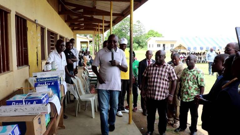 Pierre Nzaou Nziengui solidaire des élèves du lycée Nazaire Boulingui et de la communauté musulmane de Tchibanga