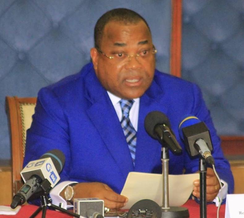 Reformes : Julien Nkoghé Bekalé demande l'appui des conseillers sociaux