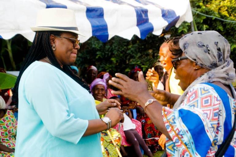 Olivia Hajar Nguema Obiang célébrée par les populations du canton Mbè dans le Komo Mondah