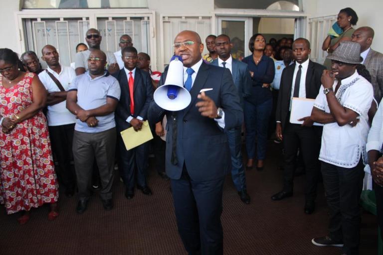 Echanges à bâtons rompus entre Jean Fidèle Otandault et les grévistes du ministère du budget