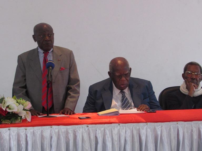 Le collectif des notables et dignitaires demande la vacance du pouvoir pour sauver le Gabon d'un éventuel chaos