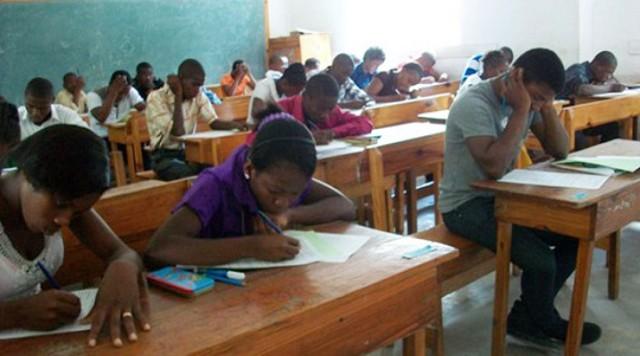 Baccalauréat : le centre du lycée Mandela délocalisé au lycée Mbélé