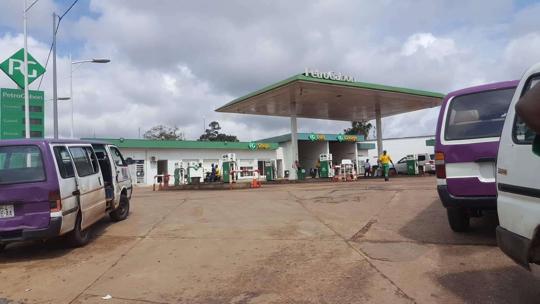 Carburant: le prix du litre d'essence avoisine 700 FCFA