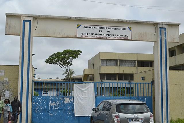 Les enseignants du CFPP Basile Ondimba en grève