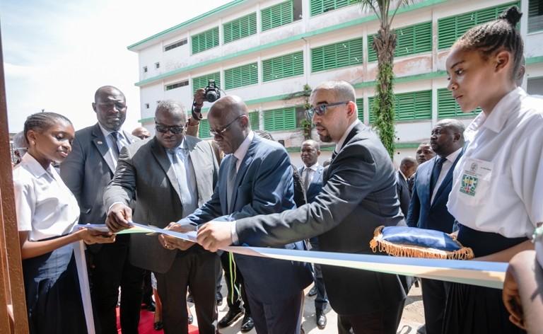 La Fondation BGFIBank offre une bibliothèque moderne au lycée Léon Mba