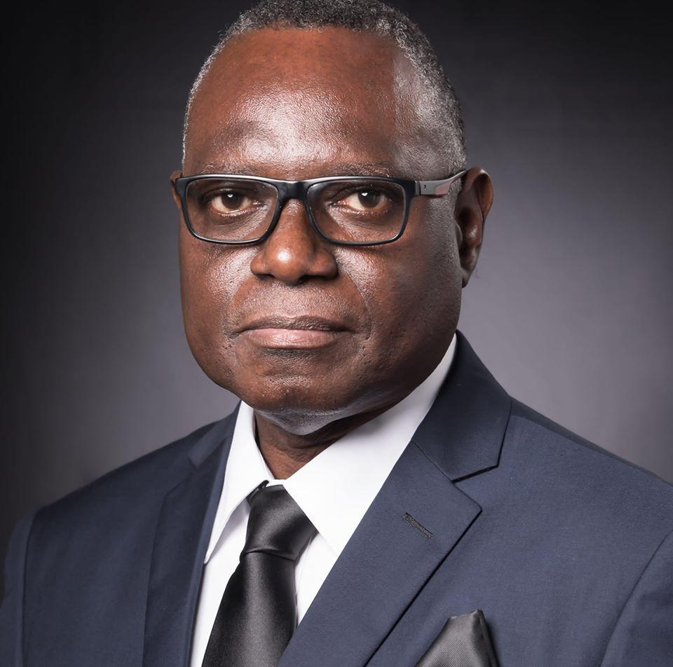 Max Limoukou se débrouille à soigner l'image des hôpitaux du Gabon