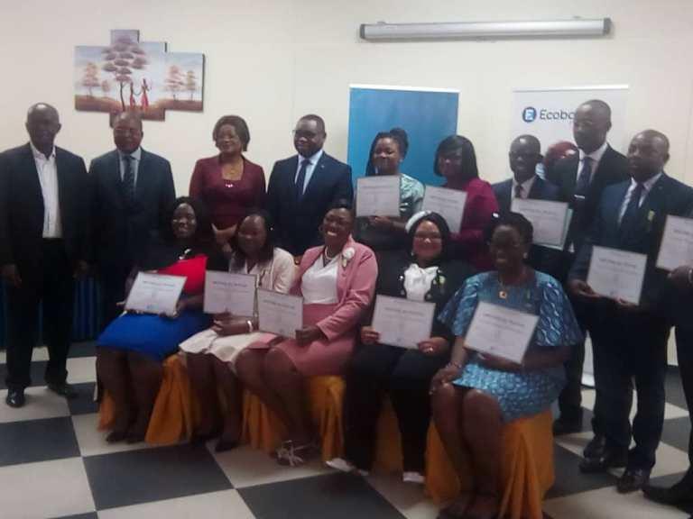 Ecobank-Gabon: des médailles du travail pour douze employés