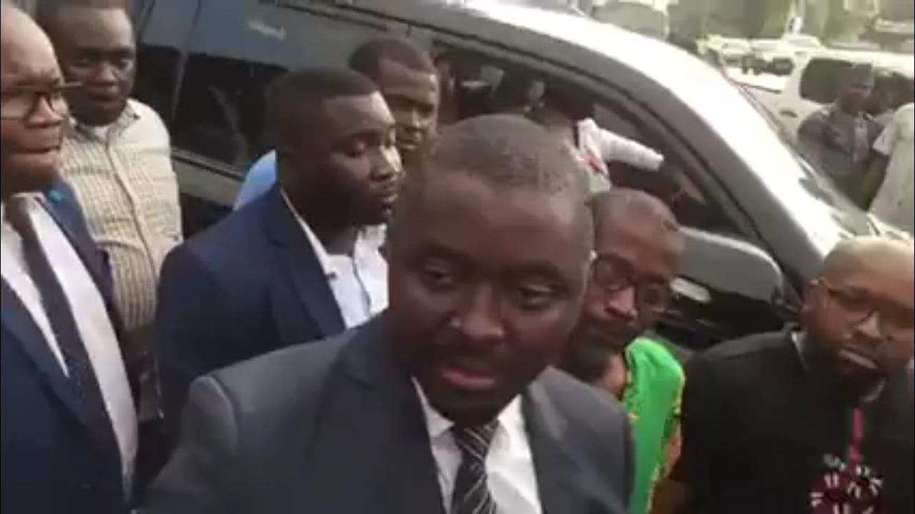 Justin Ndoundangoye perd son immunité et se fait arrêté par la DGR