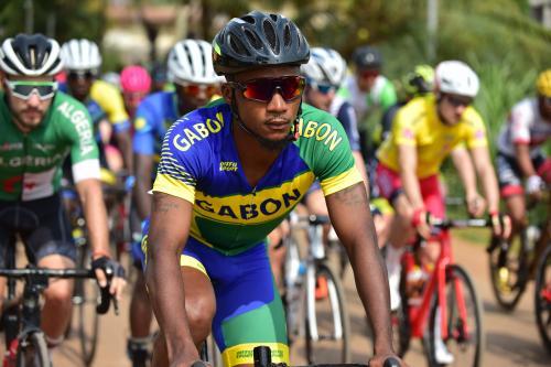 Deux cyclistes gabonais chassés de la Tropicale Amissa Bongo pour médiocrité