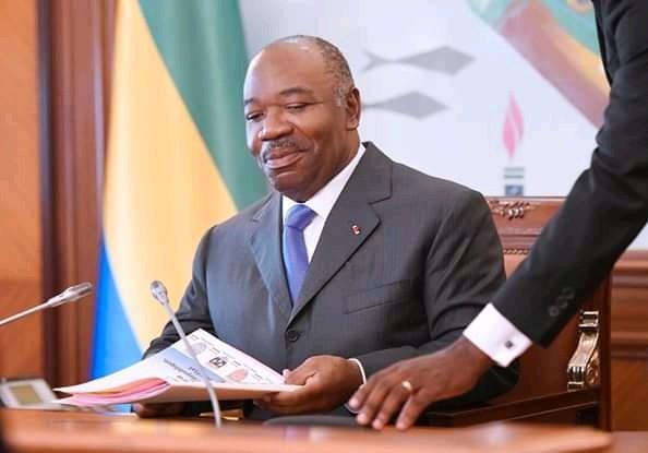 Les diplomates félicitent Ali Bongo pour sa gouvernance