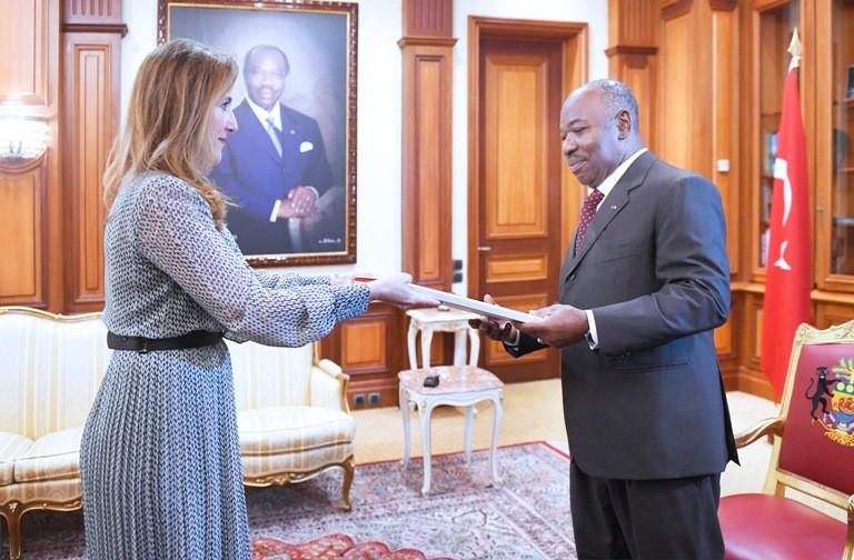Ali Bongo reçoit les lettres de créance de 4 nouveaux ambassadeurs accrédités au Gabon